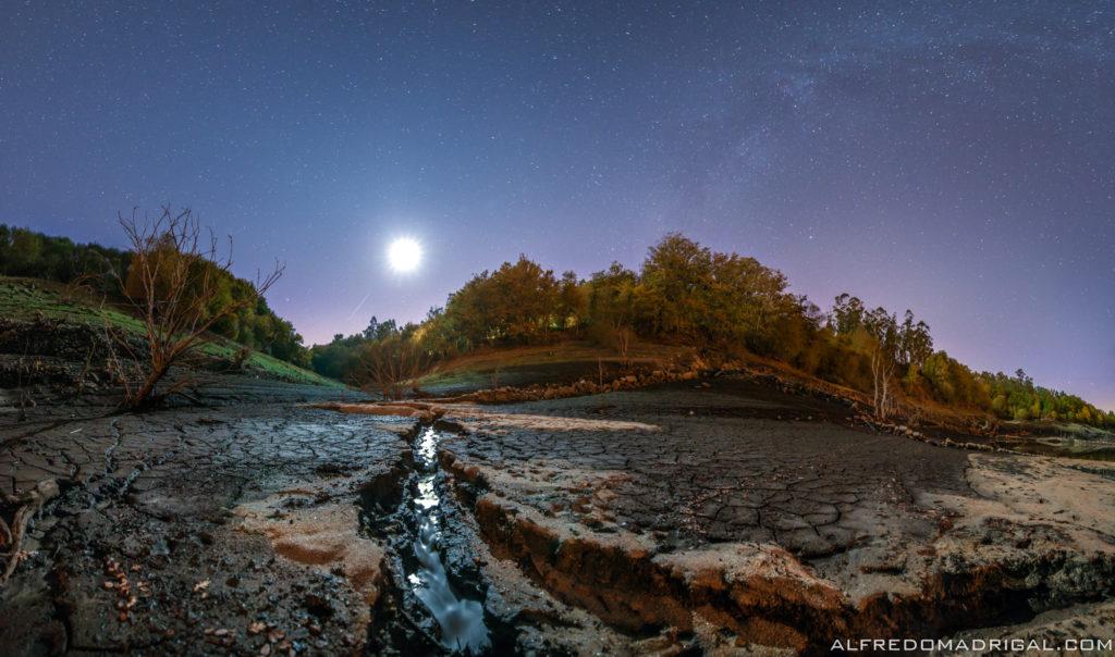 Galicia sen agua baixo a luz de lúa