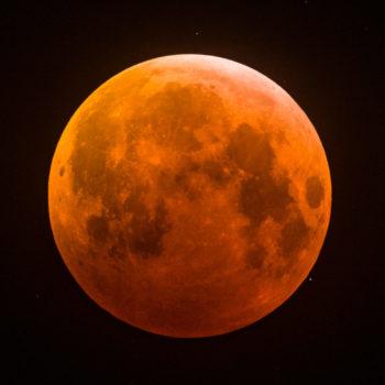 Eclipse no máximo